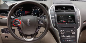 2015 Lincoln MKZ Steering Wheel Controls